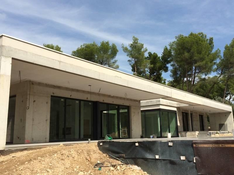 Construction d 39 une villa d 39 architecte avec piscine for Construction villa prix