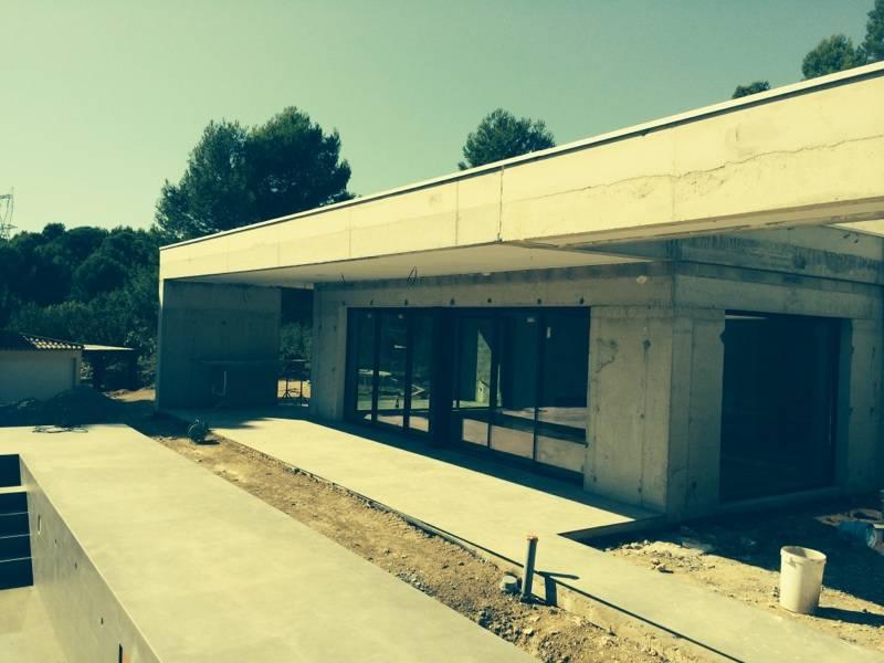 Construction d 39 une villa d 39 architecte avec piscine for Construction piscine 82
