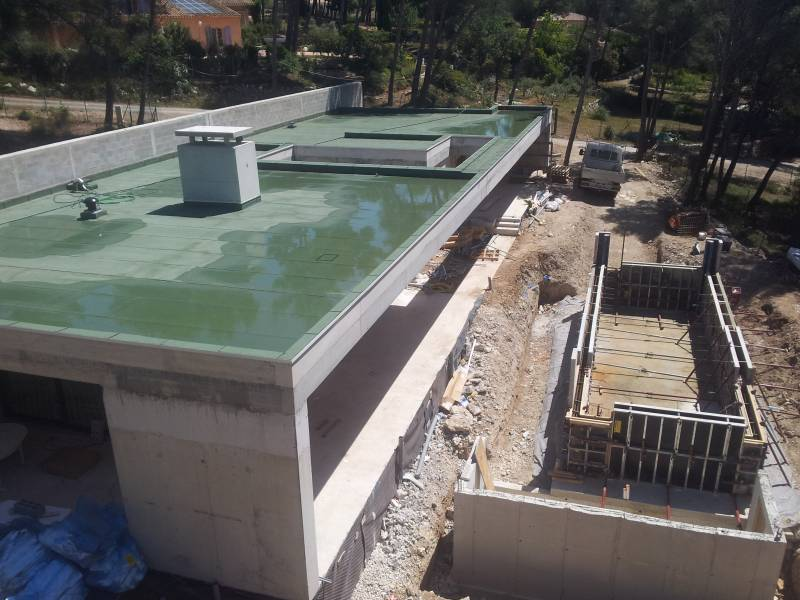 Construction d 39 une villa d 39 architecte avec piscine for Construction piscine 41