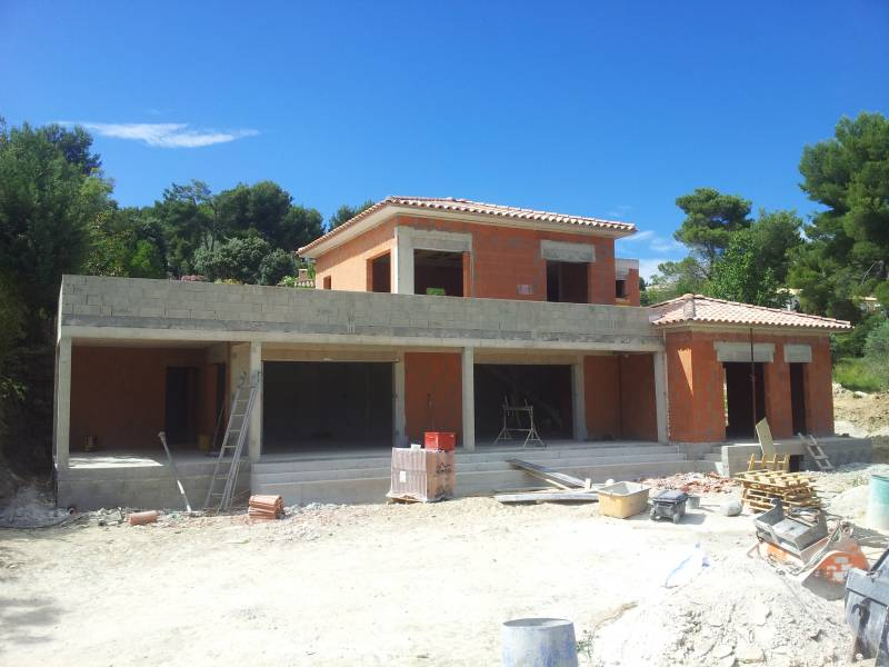 Construction villa en brique sur ventabren berroise de for Construction de villa