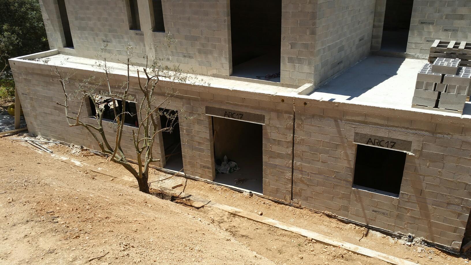 Construction de deux villas mitoyennes sur le m me terrain for Garage henri marseille