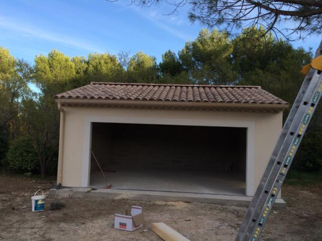 Construction d 39 un garage en parpaings ventabren for Construction garage parpaing